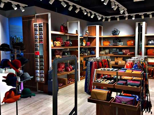 Parfois abre tienda en el factory outlet m laga qu le - Factory sofas sevilla ...