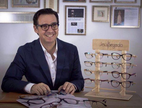 Malagueño Colección Jesús Segado Diseñador De Lanza Primera Su El mw80vNn