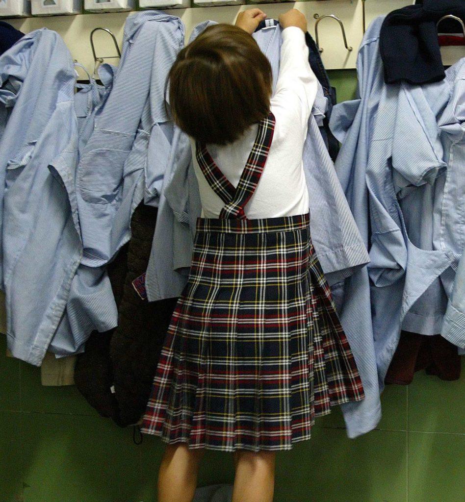 Reportaje de uniformes en colegios. Madrid, 26-IX-02. Foto: José Ramón Ladra.