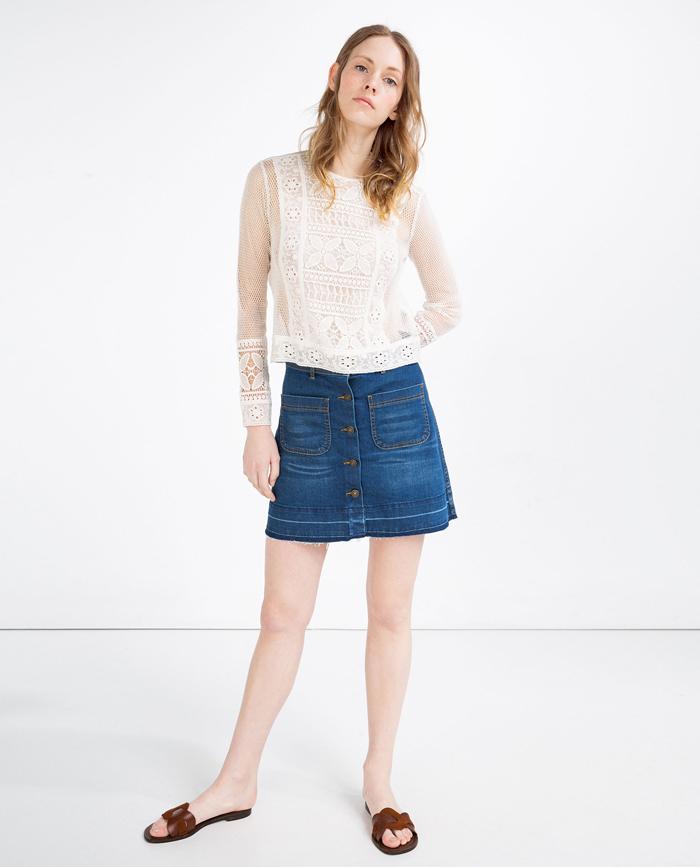 Zara no se olvida de la versión más setentera de la minifalda vaquera 6bc04402b6a0