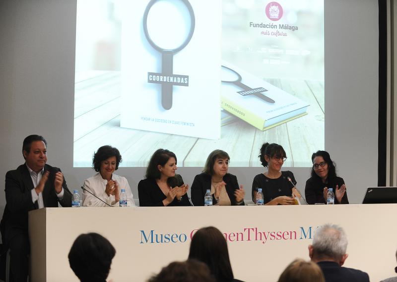 Un aplauso para Cristina Consuegra (segunda por la derecha), artífice de 'Coordenadas'. Francis Silva