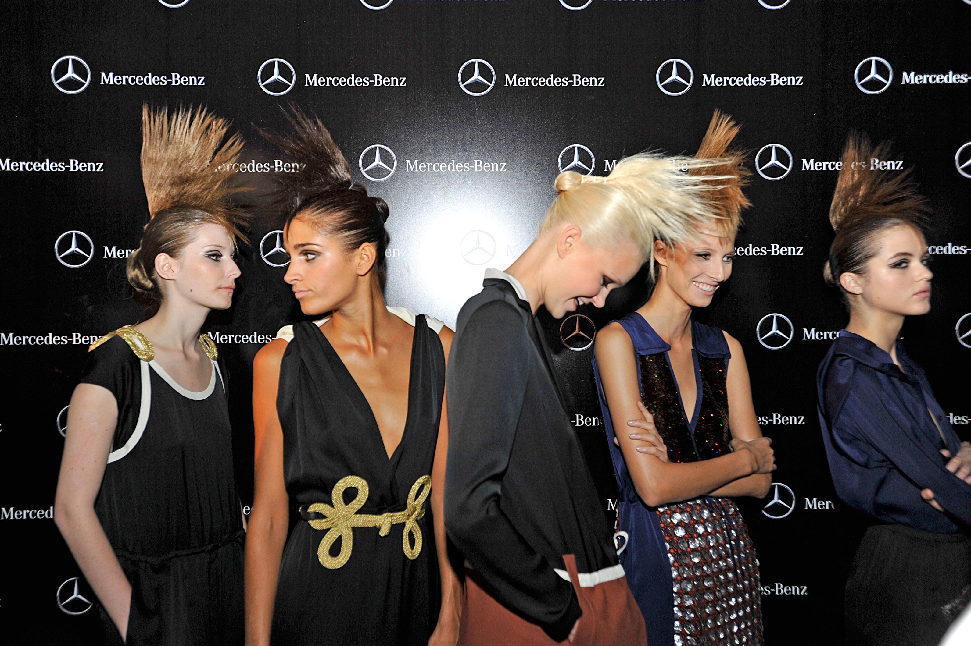 La mercedes benz fashion week 94